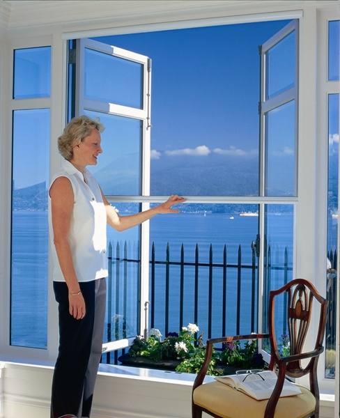 Retractable screens patio screens screen doors for Windows with retractable screens