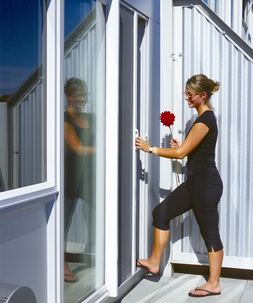 Retractable screens patio screens screen doors for Phantom sliding screen doors